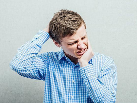 扮工職安健 肩頸痠痛點算好?